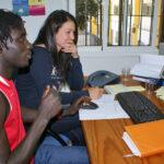 Los beneficiarios del Programa son orientados por los educadores para buscar empleo